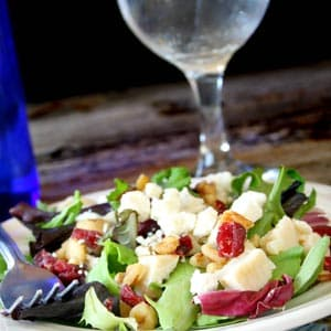 Pecan & Gorgonzola Greens Salad