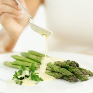 Asparagus with Whipped Mayonnaise Sauce