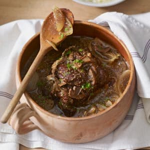 Slow Cook Merlot & Onion Roast