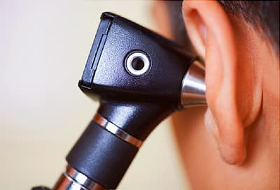 otoscope in ear
