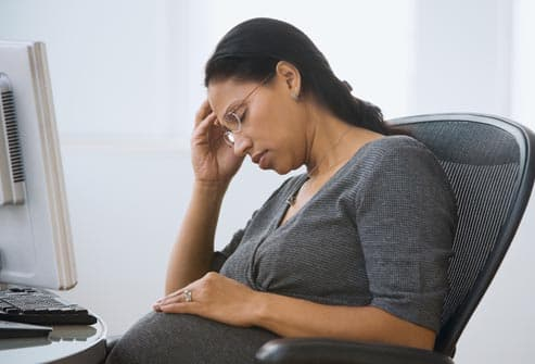 pregnant woman with headache