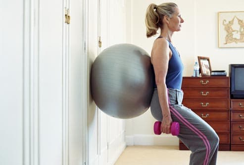 squat with medicine ball