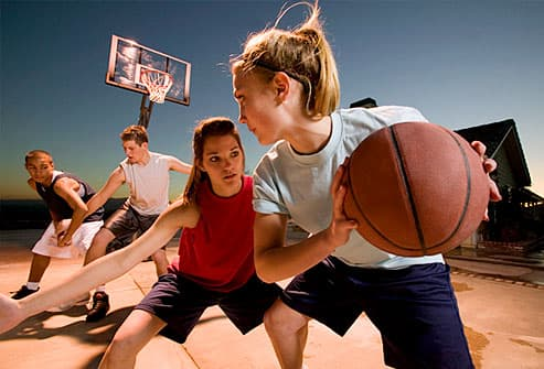 getty_rm_photo_of_kids_playing_basketball_burning_calories.jpg