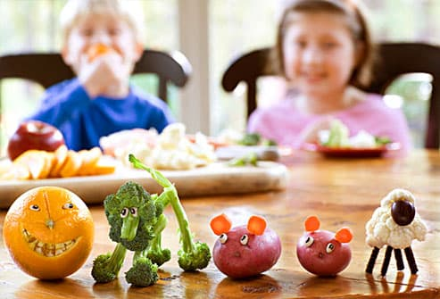 credit to: http://img.webmd.com/dtmcms/live/webmd/consumer_assets/site_images/articles/health_tools/getting_kids_to_eat_more_vegetables_fit_slideshow/webmd_photo_of_vegetable_critter_menagerie.jpg