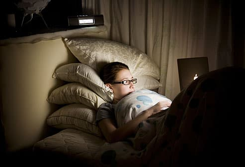 teen up late on computer