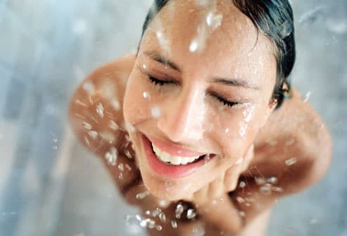 how to avoid uti when taking a bath