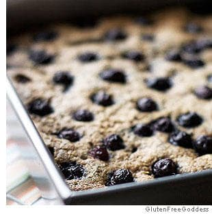 Quinoa Breakfast Bars with Blueberries