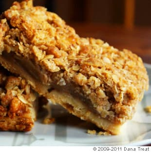 apple pie bars these bars are like a slice of all american apple pie