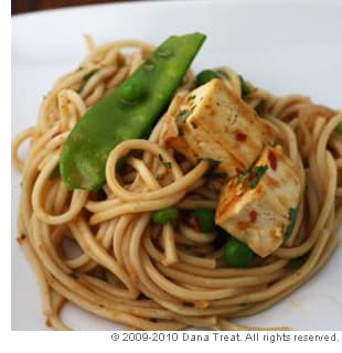 Noodles in Thai Curry With Tofu