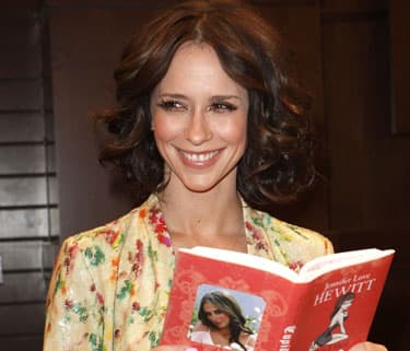 Jennifer Love Hewitt Dishes Dating Advice