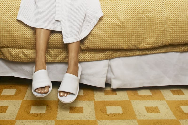 color-feet-bed