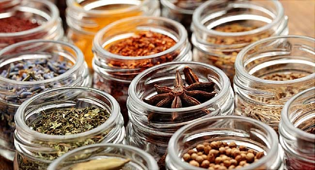 herbs and spices for your health ginger turmeric cinnamon and more thats what dietitian monica auslander moreno tells her clients herbs and  spices make food tastier while boosting your health says moreno