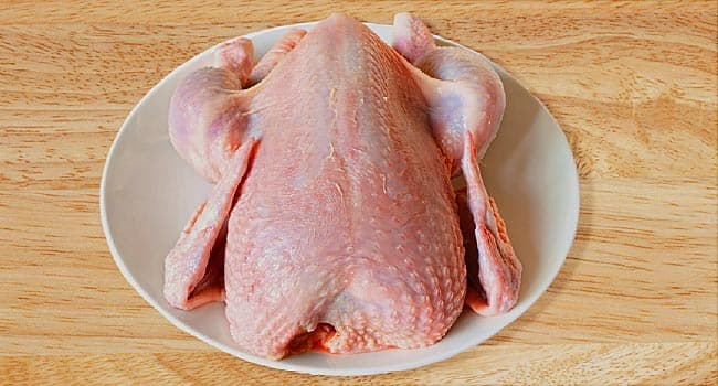 Raw chicken causing Salmonella outbreak in Pennsylvania and 28 states