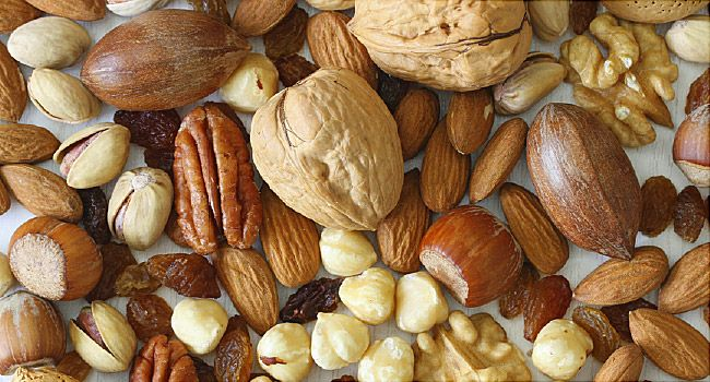 Peanut and Nut Allergies: Common Foods, Items to Avoid and 4