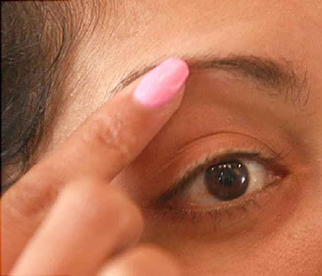 Beauty Video How To Pluck Your Eyebrows