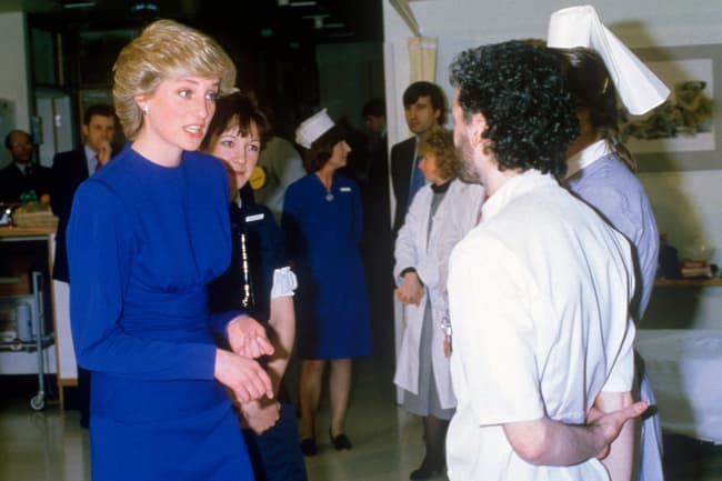 photo of princess diana in middlesex hospital