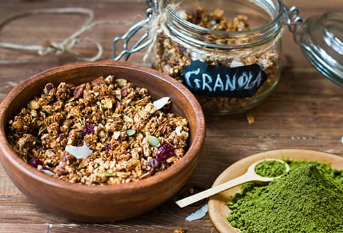 granola with matcha