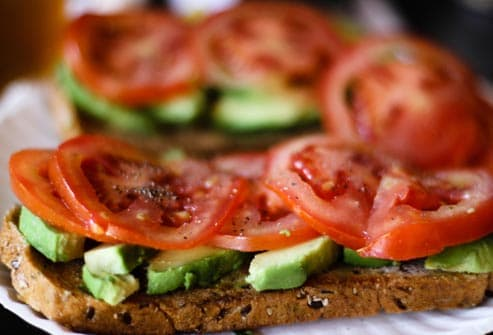 avacado and tomato sandwich
