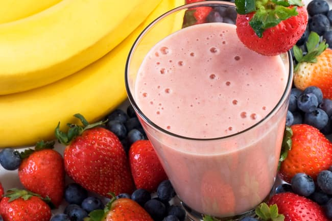 photo of banana, blueberry and strawberry smoothie