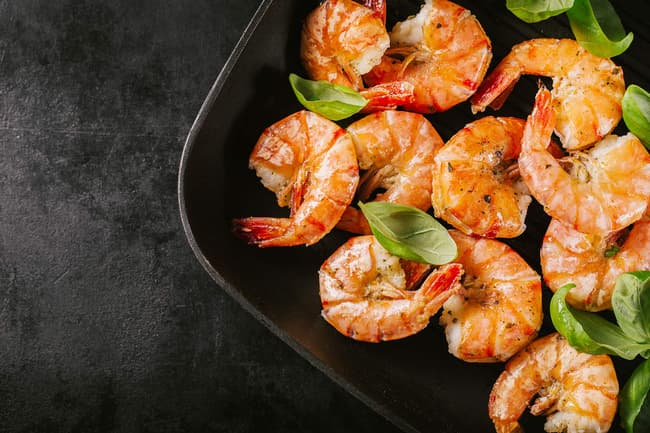 shrimp in pan