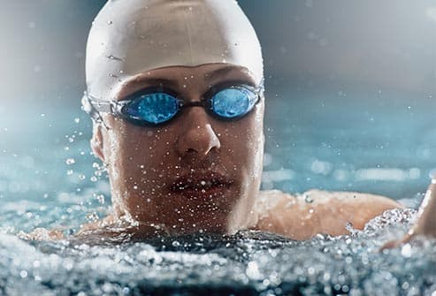 swimmer wearing goggles