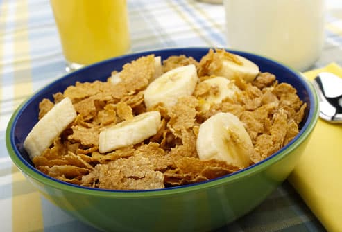 Great COPD Breakfast with Fiber Cereal and Fruit