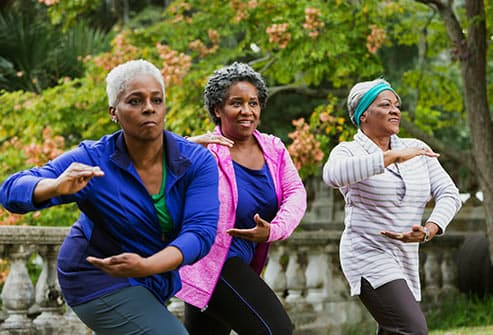 women doing tai chi