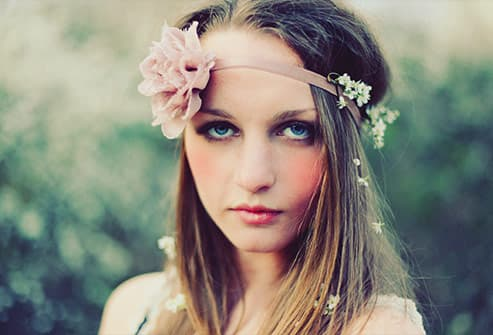woman in head band