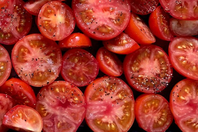 photo of sliced tomatoes