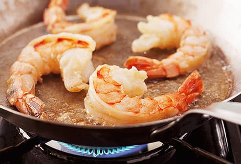 king prawn shrimp in frying pan