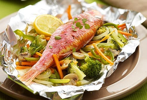 baked red mullet with veggies