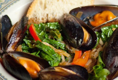 steamed mussels with greens