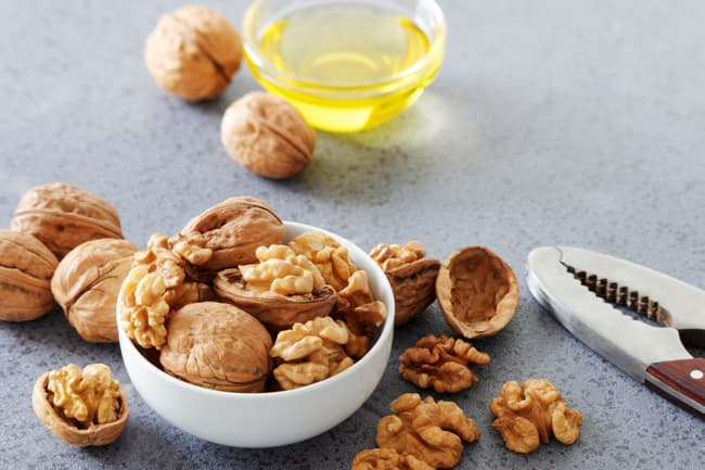 photo of walnut oil