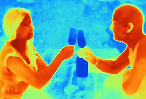 thermal image of couple drinking