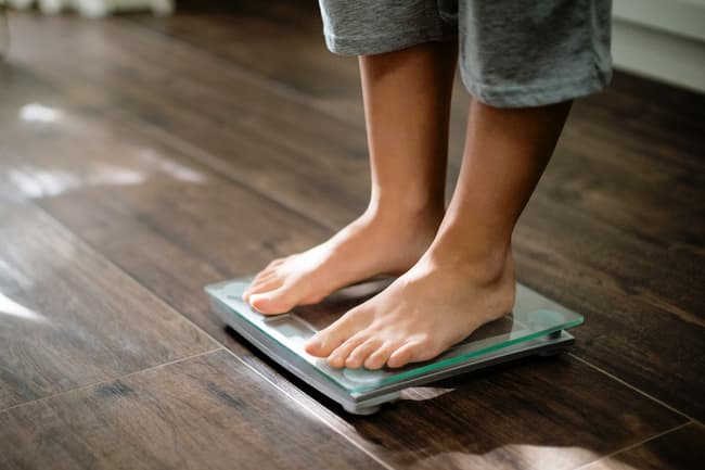 feet on home scale