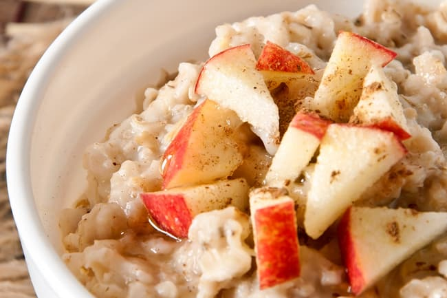 photo of oatmeal with apple