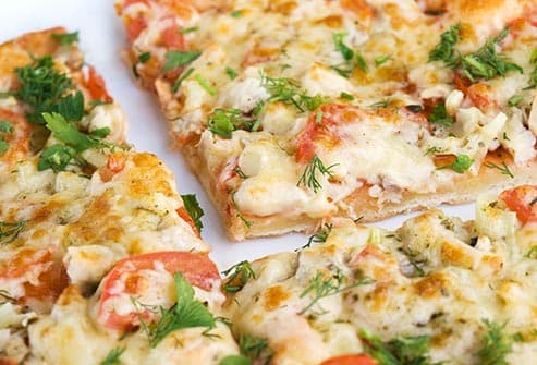 veggie chicken pizza