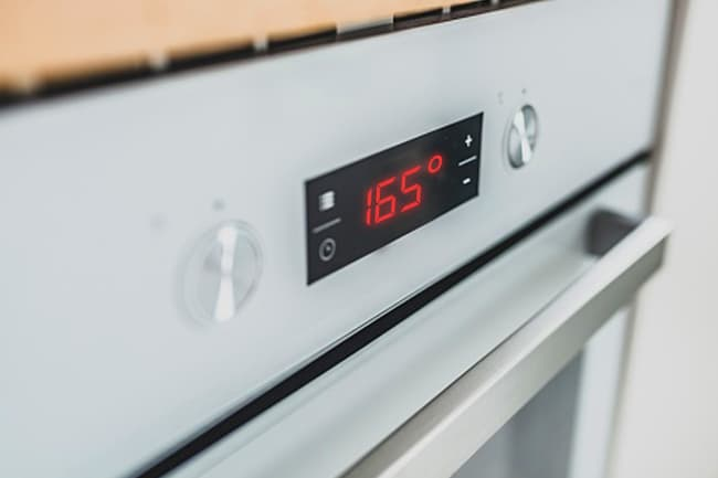 photo of oven set to 165 degrees