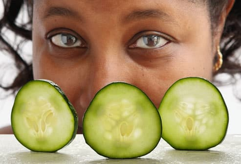 Cucumbers Help Rejuvenate Eyes