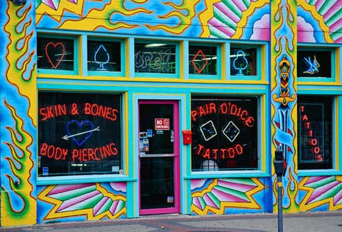 Exterior of Pair O Dice Tattoo Parlor