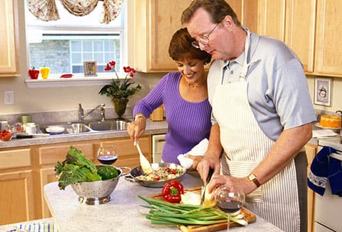 couple preparing healthy meal
