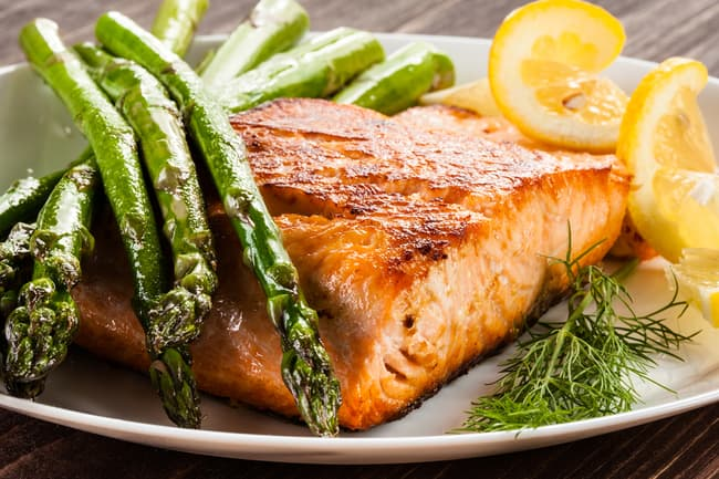 photo of baked salmon and asparagus