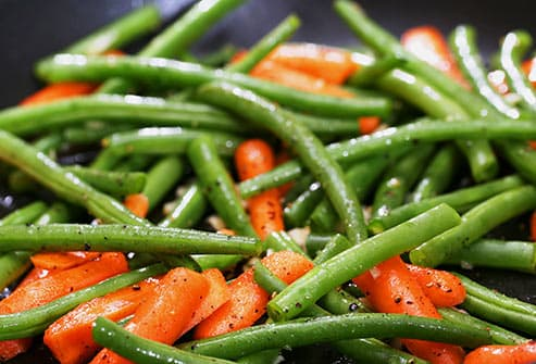 cooked green beans and carrots