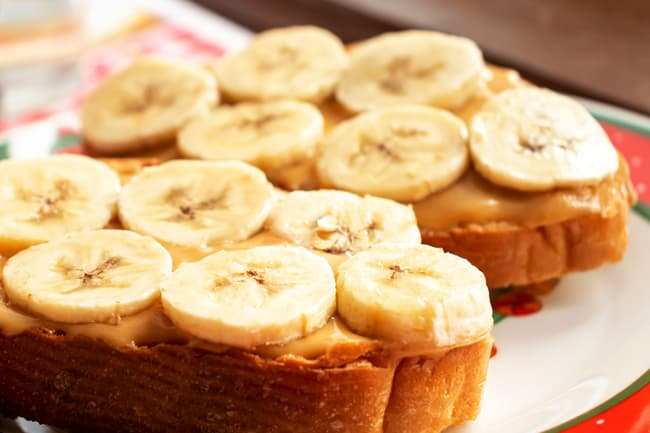 photo of bananas and peanut butter on toast