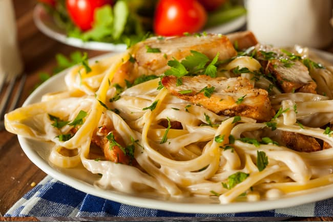 photo of chicken alfredo