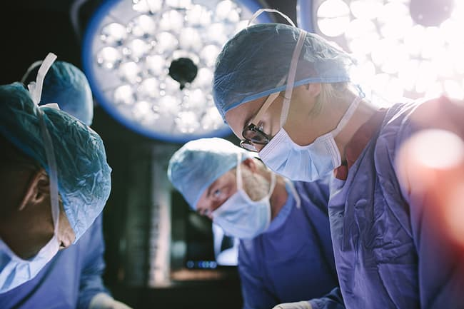 surgeons in o r