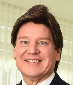 Paul Vitenas Plastic Surgeon