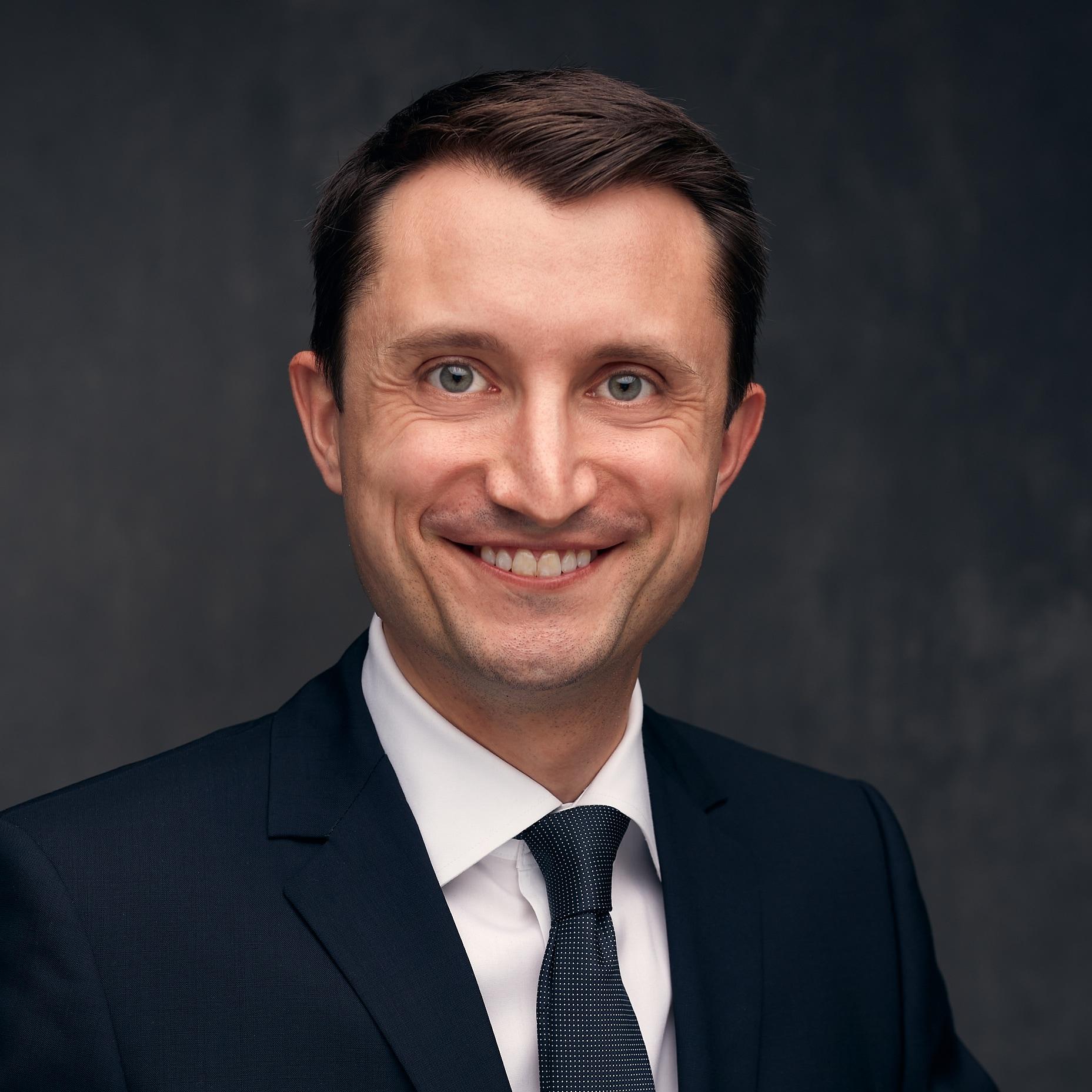 Dr. Daniel D Bohl MD
