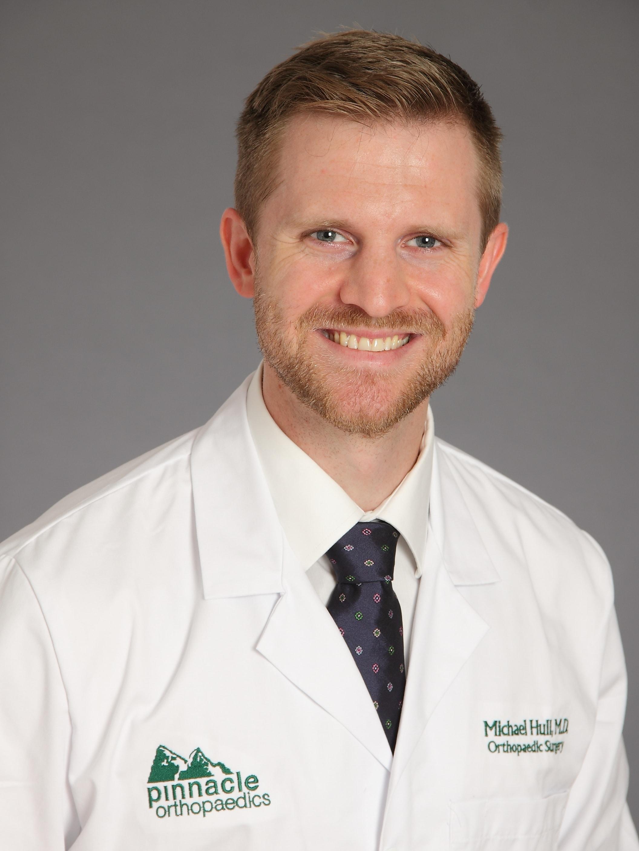 Dr. Michael G Hull MD