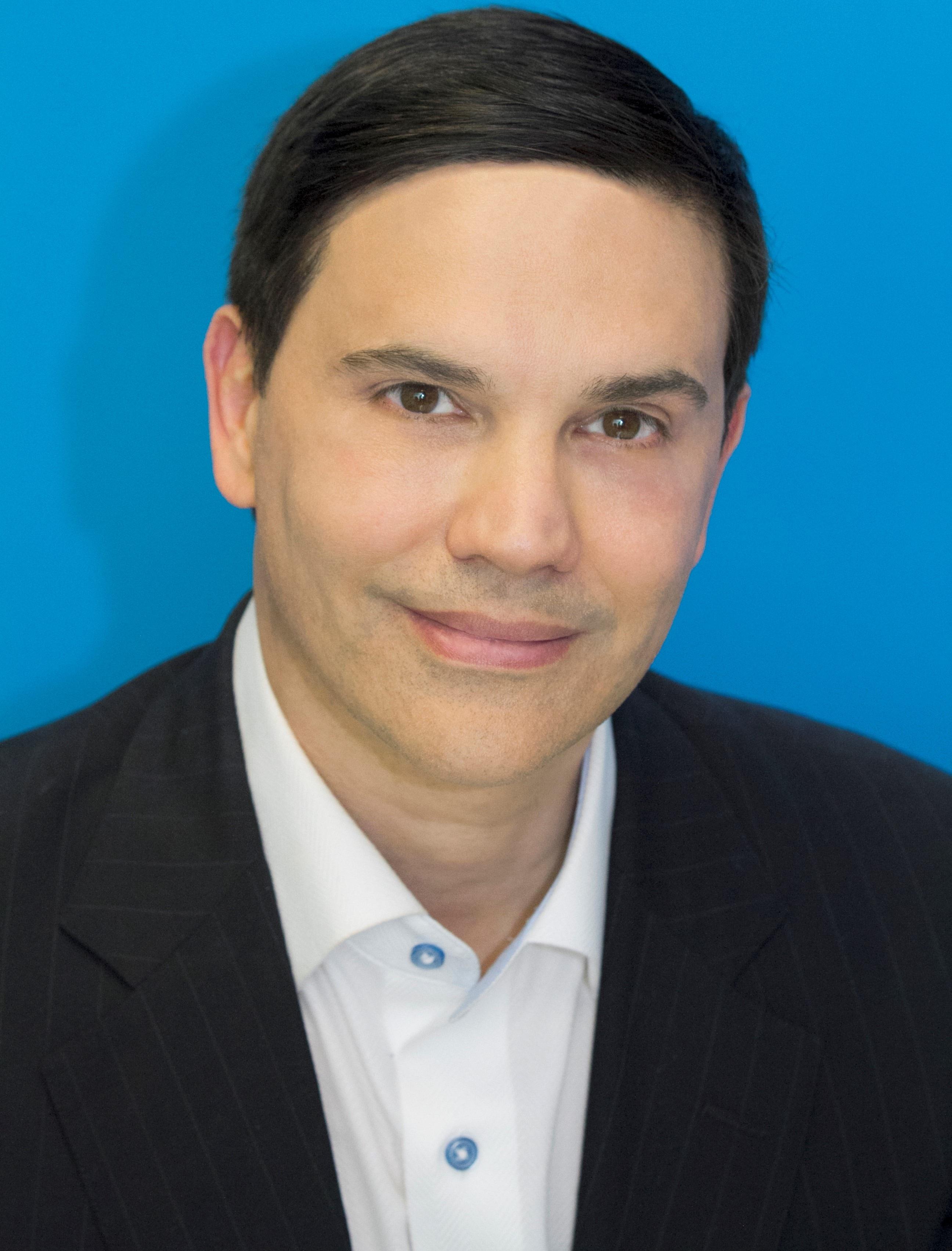 Alexander Villares, MD Plastic Surgery